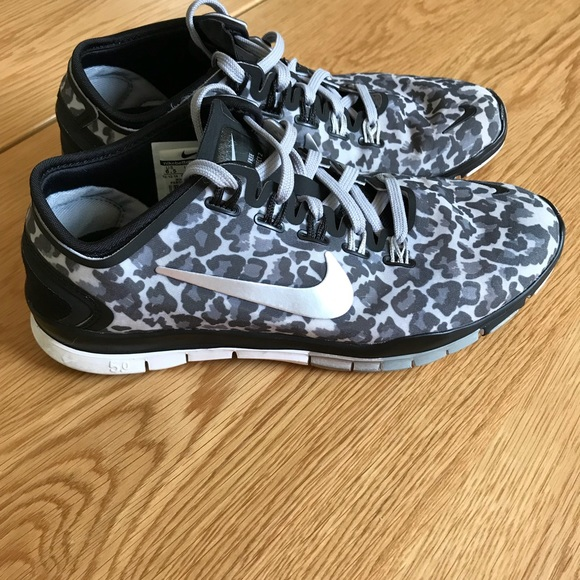 Nike Free TR Connect 2 Leopard Sneakers